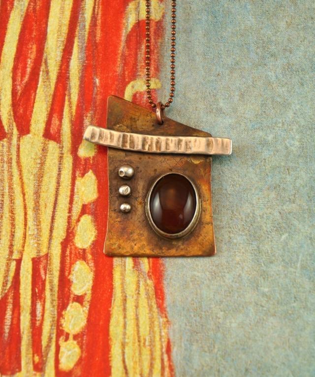 Uchi Necklace 1